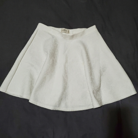 Abercrombie & Fitch Dresses & Skirts - Ivory White Flowy Lace Skirt Women's